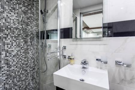 Adriatic Queen - Bathroom