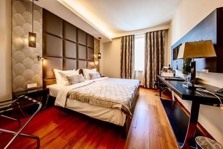 Continental-Hotel-Standard-Room