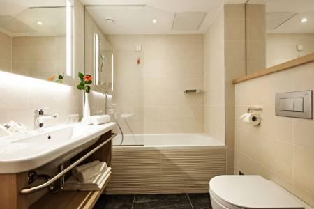 Rikli Balance Hotel Bathroom