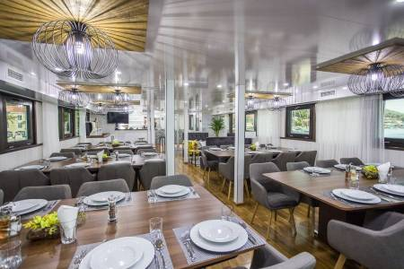 MS Arca - Restaurant