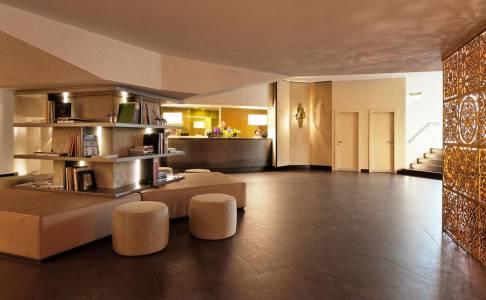 Starhotels-Michelangelo Fi Reception 2