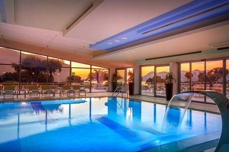 valamar-argosy-hotel-indoor-pool-overview