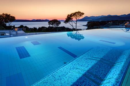 19-valamar-argosy-hotel-sunset-pool