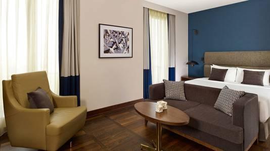Metropol Palace Belgrade Deluxe room sofa4