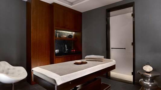 Metropol Palace Belgrade Spa massage room4